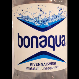 Aqua kivennäisvesi